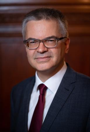 Univ.-Doz. Mag. Dr. Dieter Kolonovits